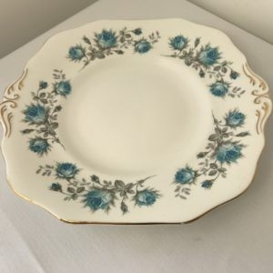 "Vintage Cake Plate 9/10"" Diameter for Hire"